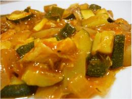 Recetas – Calabacines con tomate al microondas