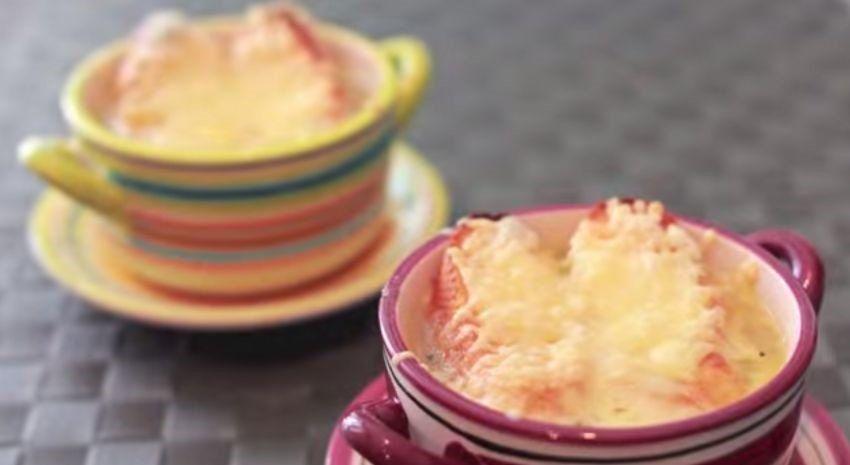 Recetas – Sopa de Cebolla Gratinada con Queso
