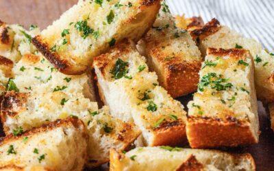 Receta de pan de ajo | SimplyRecipes.com
