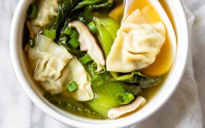 Receta fácil de sopa Wonton (15 minutos)