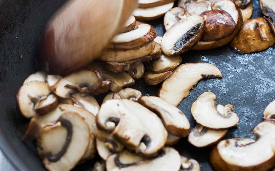 Una mejor manera de cocinar champiñones
