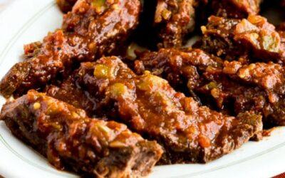 Olla de cocción lenta, baja en carbohidratos, sudoeste de carne