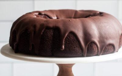 Pastel Vegano de Chocolate Bundt con Glaseado de Ganache de Chocolate