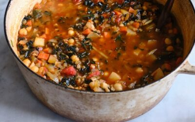 Sopa simple de farro y frijoles