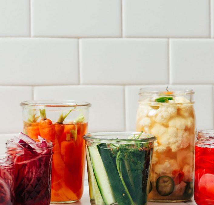 Cómo hacer verduras en escabeche rápidas: guía y recetas