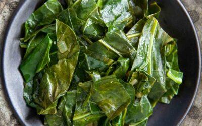 La mejor receta de Collard Greens | SimplyRecipes.com