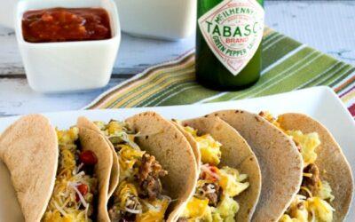 Tacos de desayuno con salchichas, pimientos y huevos (Video) – Kalyn's Kitchen