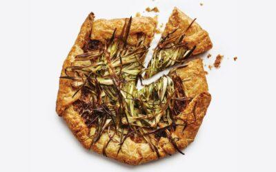 Receta de galette de cebolla con triple amenaza | Buen provecho