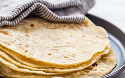 Tortillas de harina caseras | SimplyRecipes.com