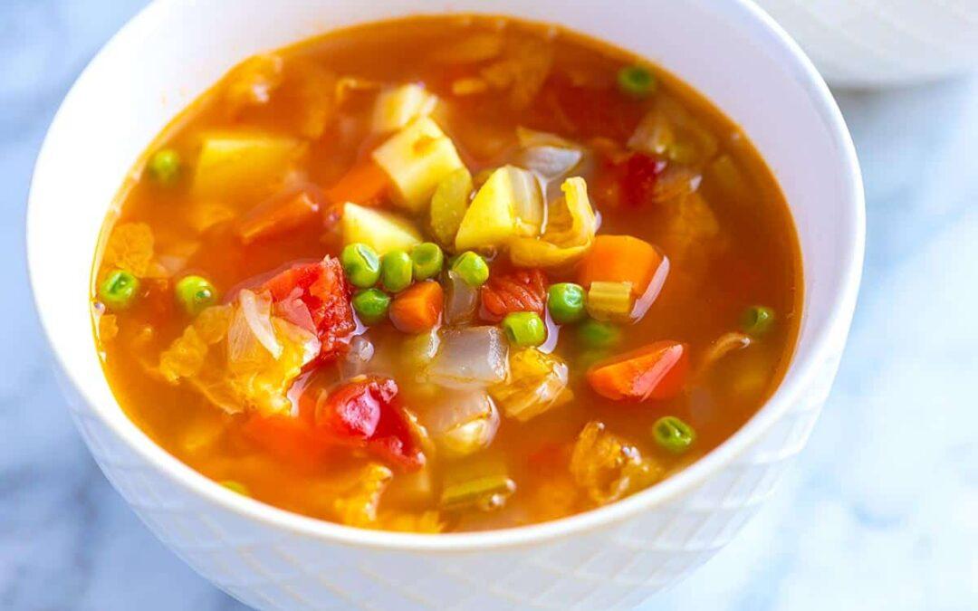 Sopa de verduras casera fácil