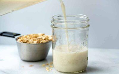 Cómo hacer leche de avena (¡tan fácil!)