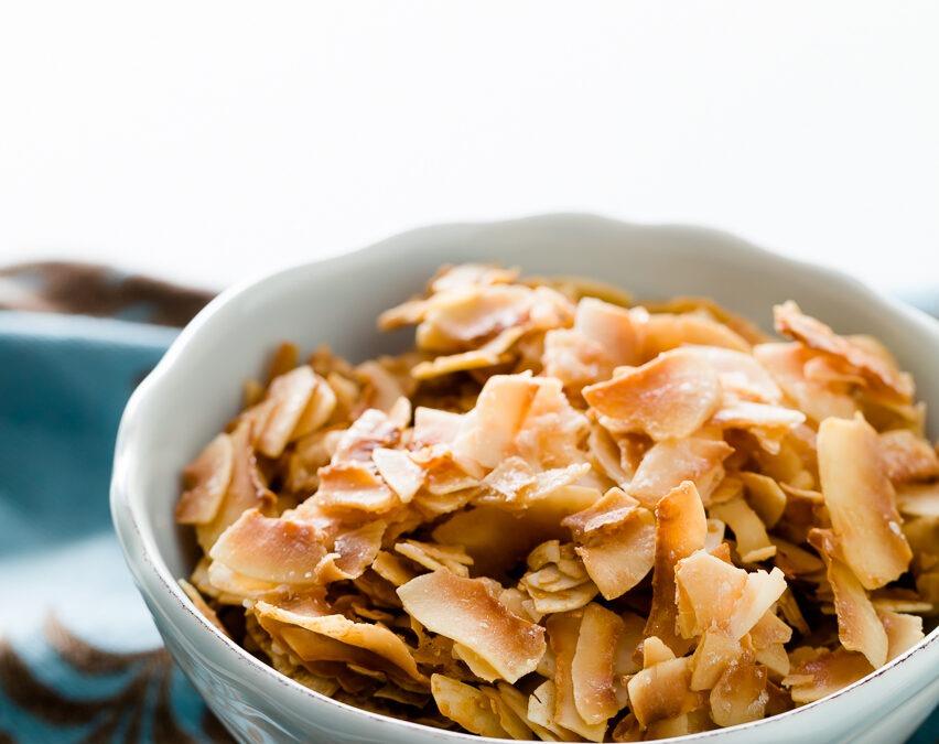 Chips de coco tostados de 10 minutos