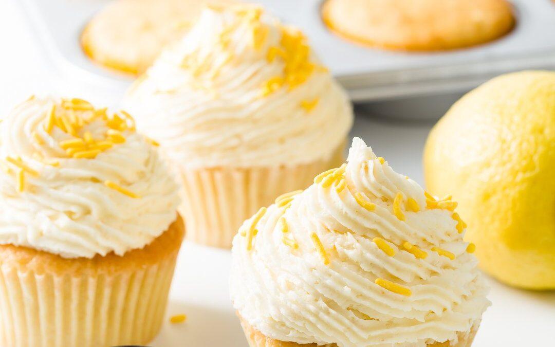 Magdalenas de limón con glaseado de limón