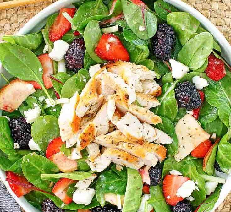 Haga su propia ensalada de pollo con bayas de verano de Wendy's