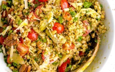Farro con pesto, tomates y nueces