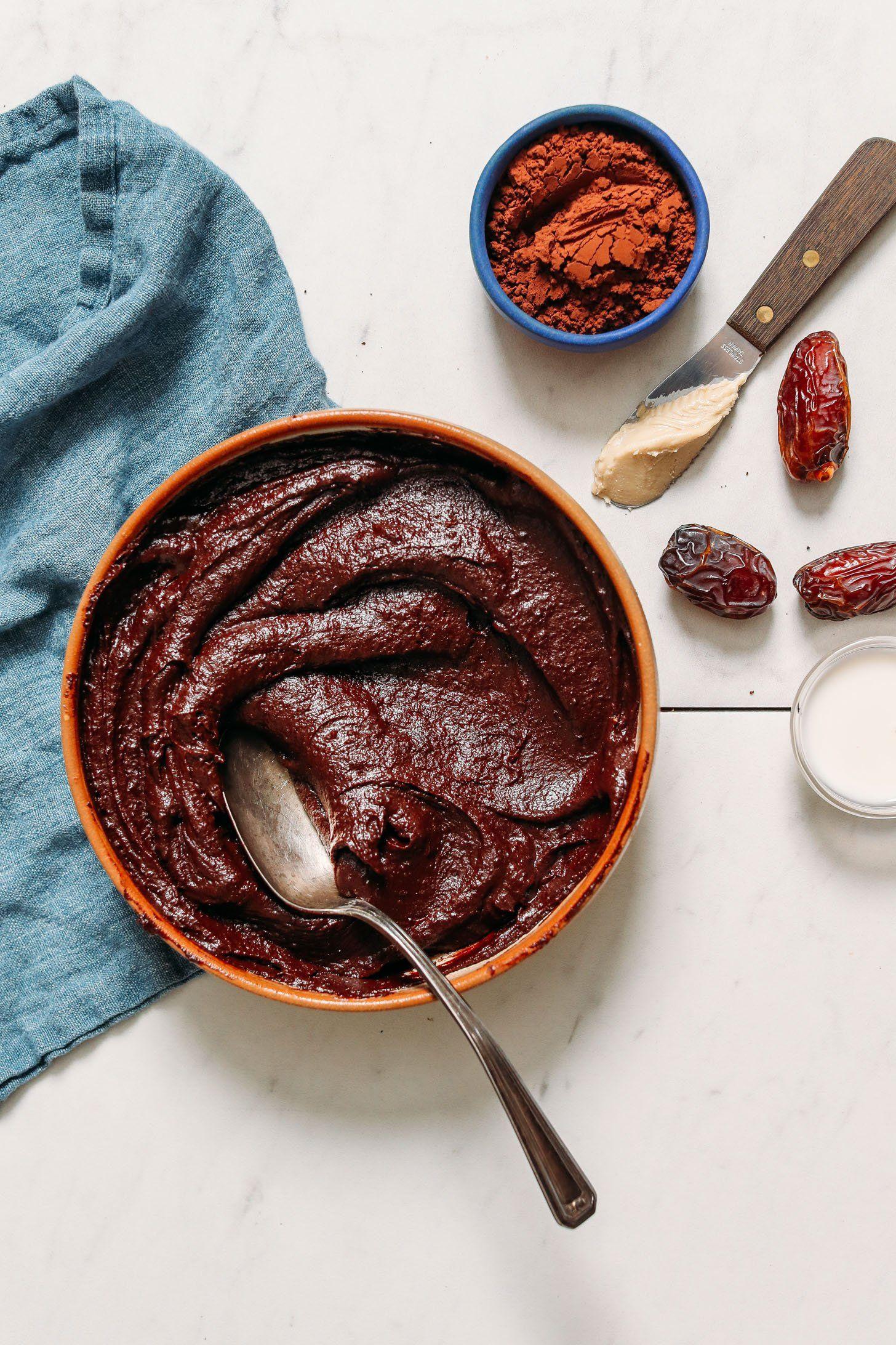 Glaseado vegano de chocolate (sin aceite) | Recetas minimalistas de panadero