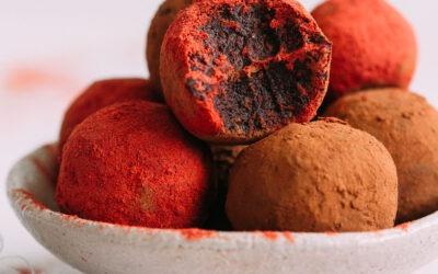 Bolas de pastel de terciopelo rojo sin hornear (V / GF)