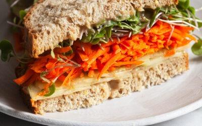 Miso Tahini Sandwich de vegetales | La ayuda completa