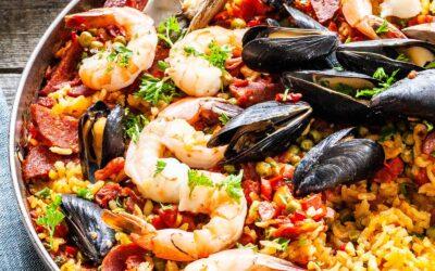 Receta de paella de mariscos | SimplyRecipes.com