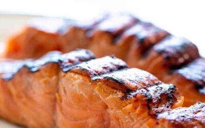 Receta fácil de salmón a la parrilla |  SimplyRecipes.com