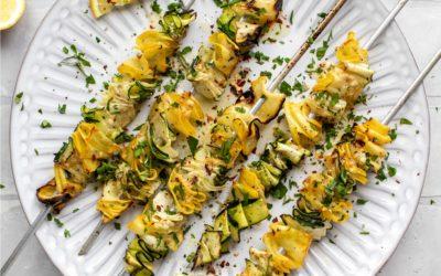 Pinchos de calabacín – Pinchos de cinta de calabacín con mantequilla de limón y ajo