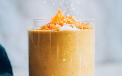 Batido cremoso de pastel de zanahoria |  Recetas minimalistas de panadero