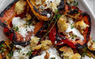 Pimientos a la Plancha con Burrata y Pan Molido